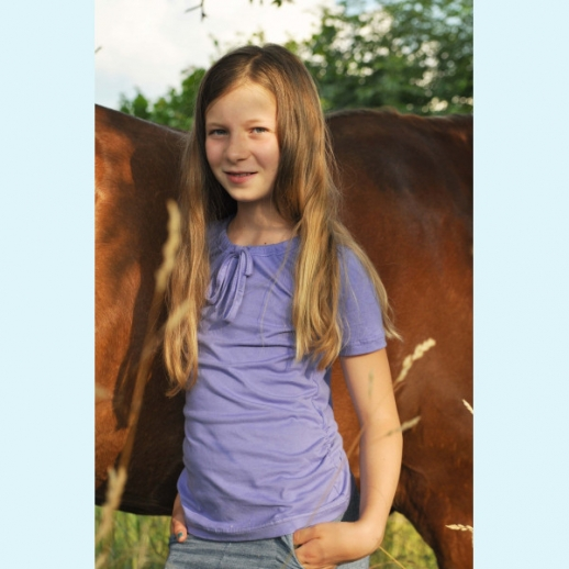 NEU: Storchenkinder Sommershirt mit raffinierter Raffung Lavendel, Lila, Flieder BIO BAUMWOLLE